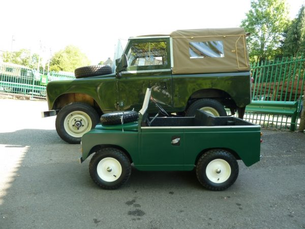 Childs Electric Powered Land Rover