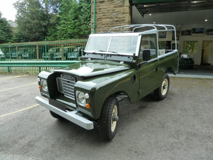 TAV 193X - 1982 Series 3 Land Rover - Nut & Bolt Rebuild