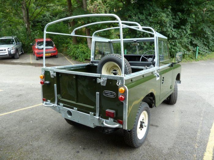 TAV 193X - 1982 Series 3 Land Rover - Nut & Bolt Rebuild