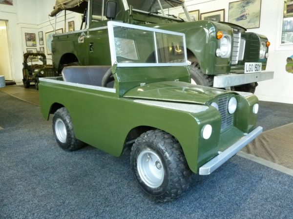 Battery Powered - Scale Model - Series 2 Land Rover