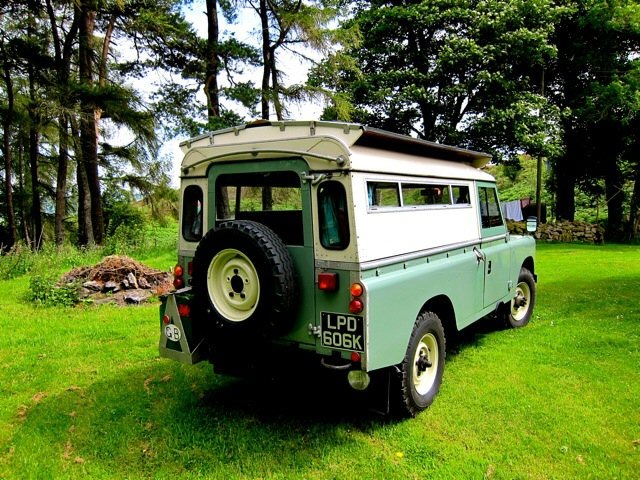 1972 Land Rover 109 Carawagon