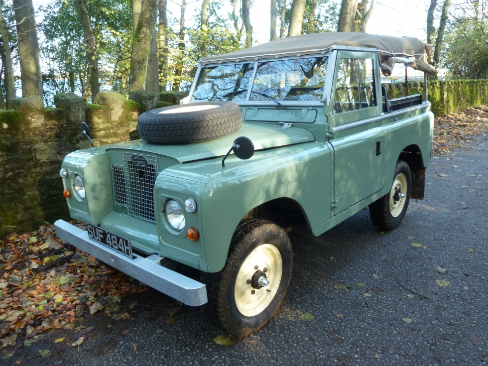 refurbished 1970 tax exempt series iia land rover ready for sale land rover centre land. Black Bedroom Furniture Sets. Home Design Ideas