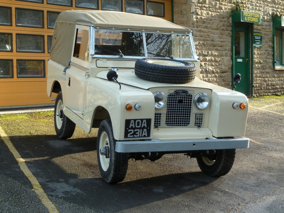 1962 series 2 a land rover nearing completion land. Black Bedroom Furniture Sets. Home Design Ideas