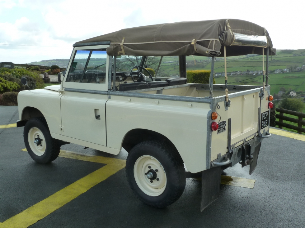 Pcp 948 1962 Land Rover Series Iia Restored On A