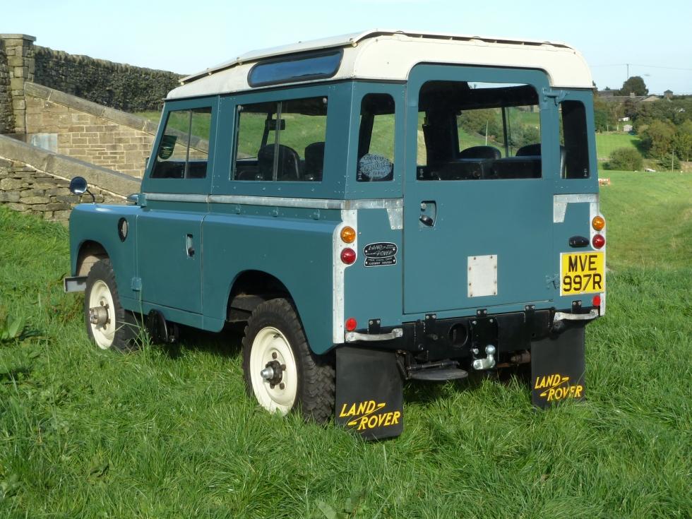 "mve 997r - 1976 land rover series 3 - 88"" station wagon - 43,300"
