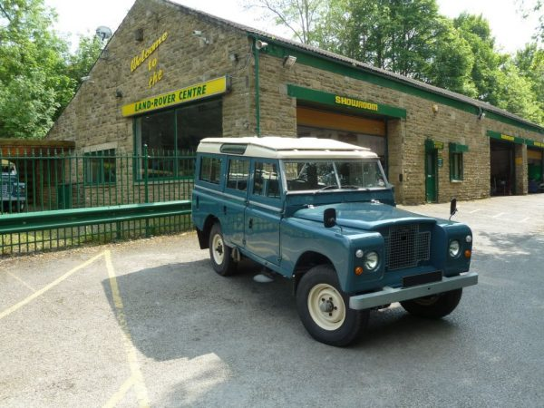 Land Rover Series IIA Station Wagon
