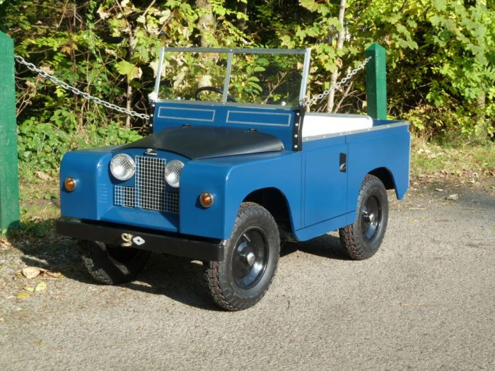 Toylander - Scale Model - Electric powered Land Rover