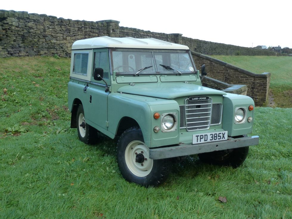 1982 Land Rover Series 3 - Galvanized Chassis - 7 seater