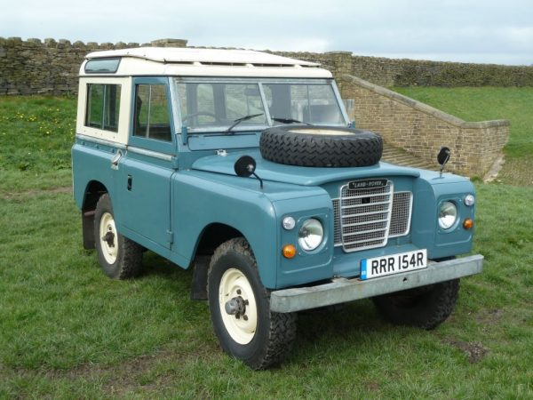 RRR 154R - 1977 Series 3 Land Rover