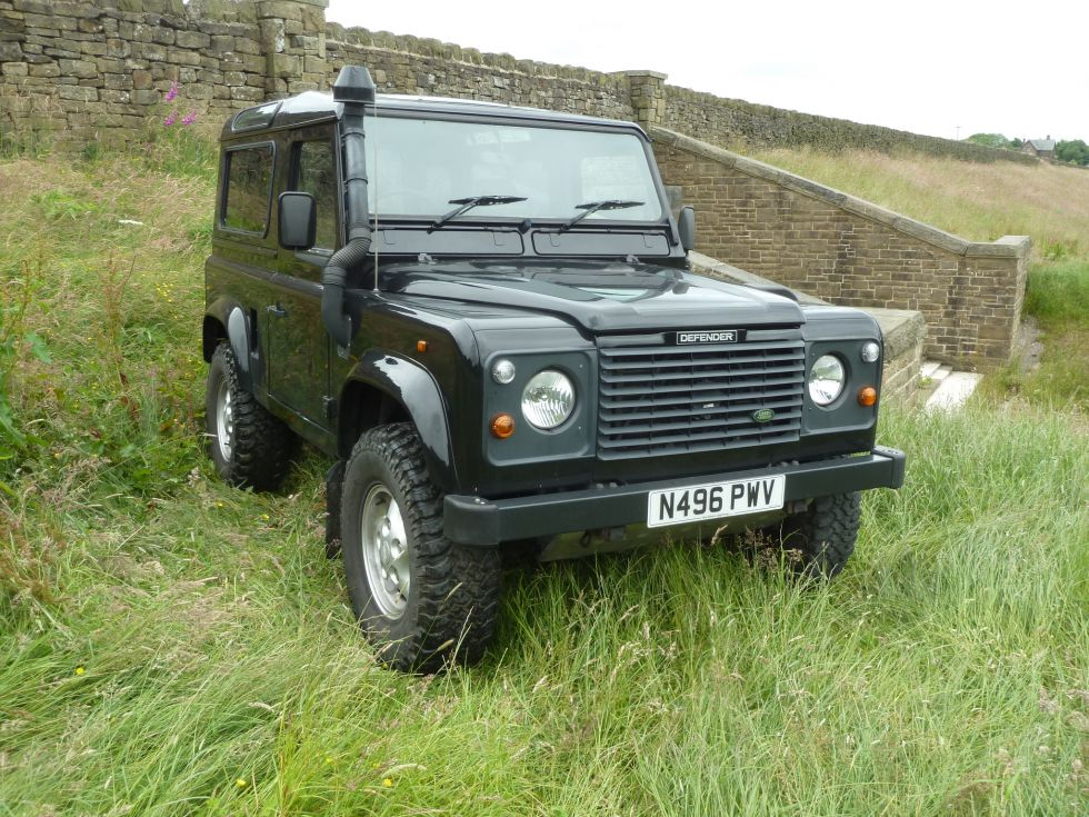 n496 pwv 1996 land rover defender 90 csw fully loaded land rover centre land rover centre. Black Bedroom Furniture Sets. Home Design Ideas