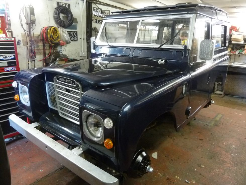 1972 land rover series 3 restoration nearing completion land rover centre land rover centre. Black Bedroom Furniture Sets. Home Design Ideas