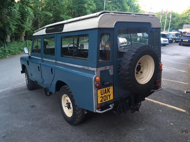 1983 - Land Rover 109 Safari