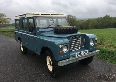 Land Rover Series 3 safari