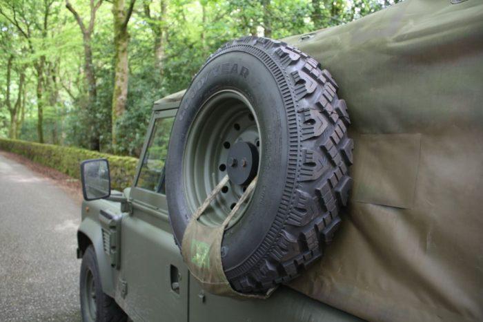 Land Rover Wolf, Penman Trailer + Generator