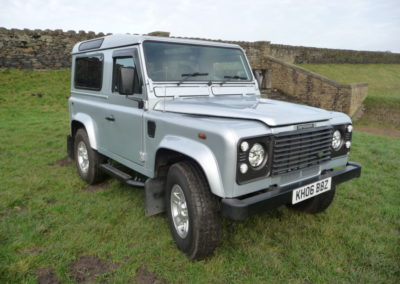 Land Rover Defender automatic