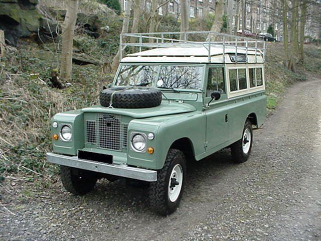Land Rover Series IIA 3 door 109 - pastel green, with roof rack safari roof and rear seats