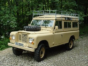 LHD Land Rover 109 Series III - Nancy's Land Rover ready for delivery to Dakar, prior to her trip overland to Bamako - mali, West Africa
